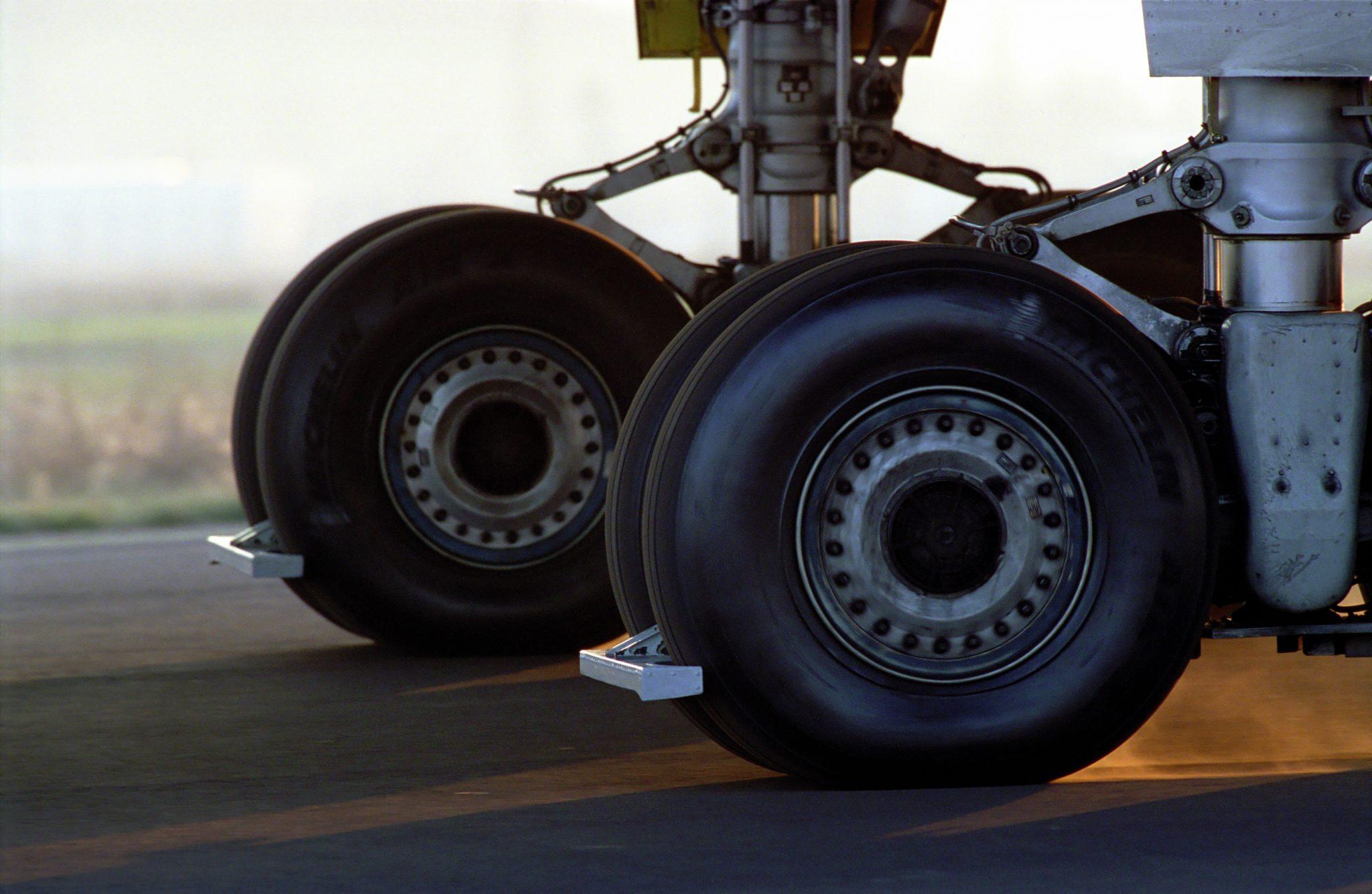 エアX NZGテクノロジー航空機用ラジアルタイヤ