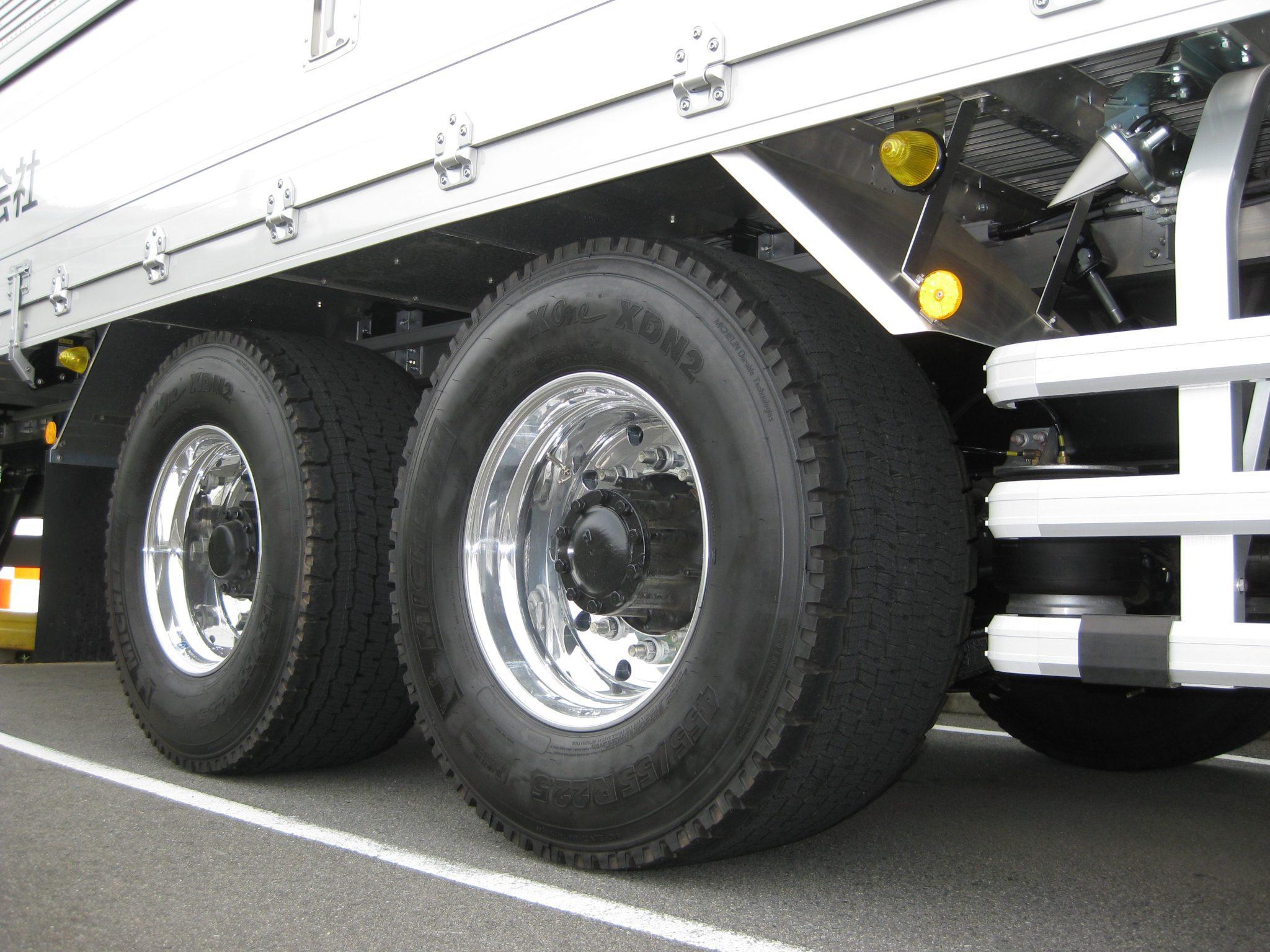 タカラ物流大型トラック装着X One