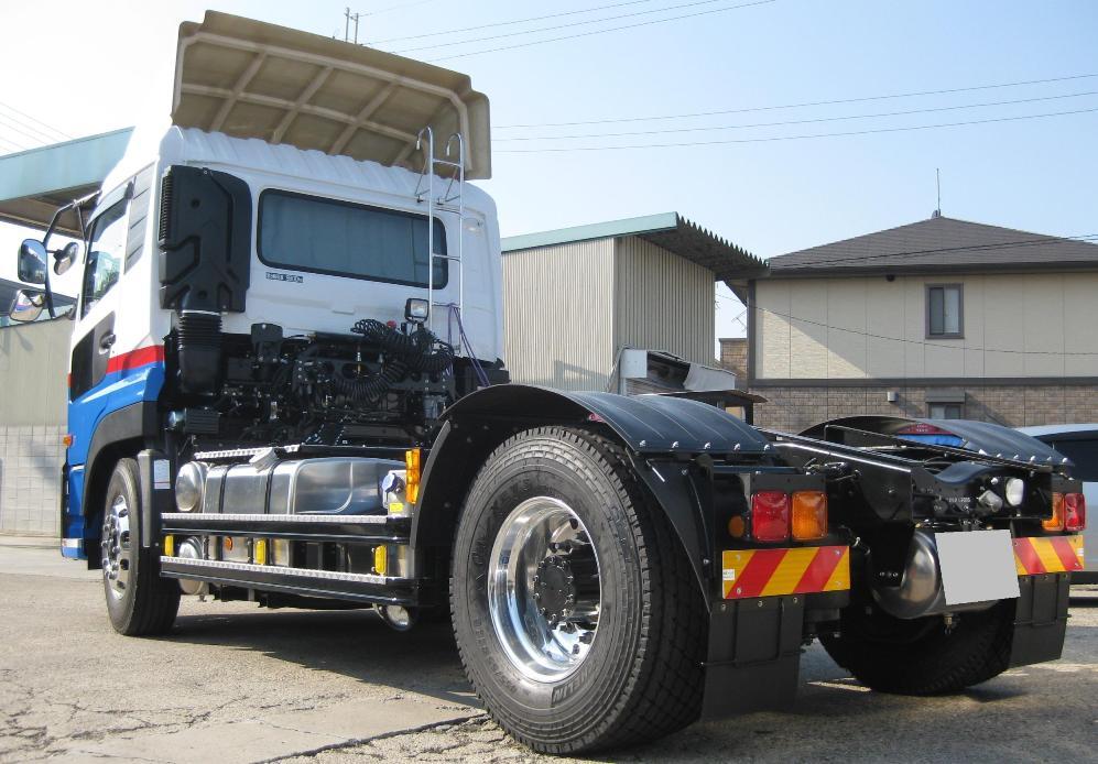 X One装着ダイワ運輸トラクター