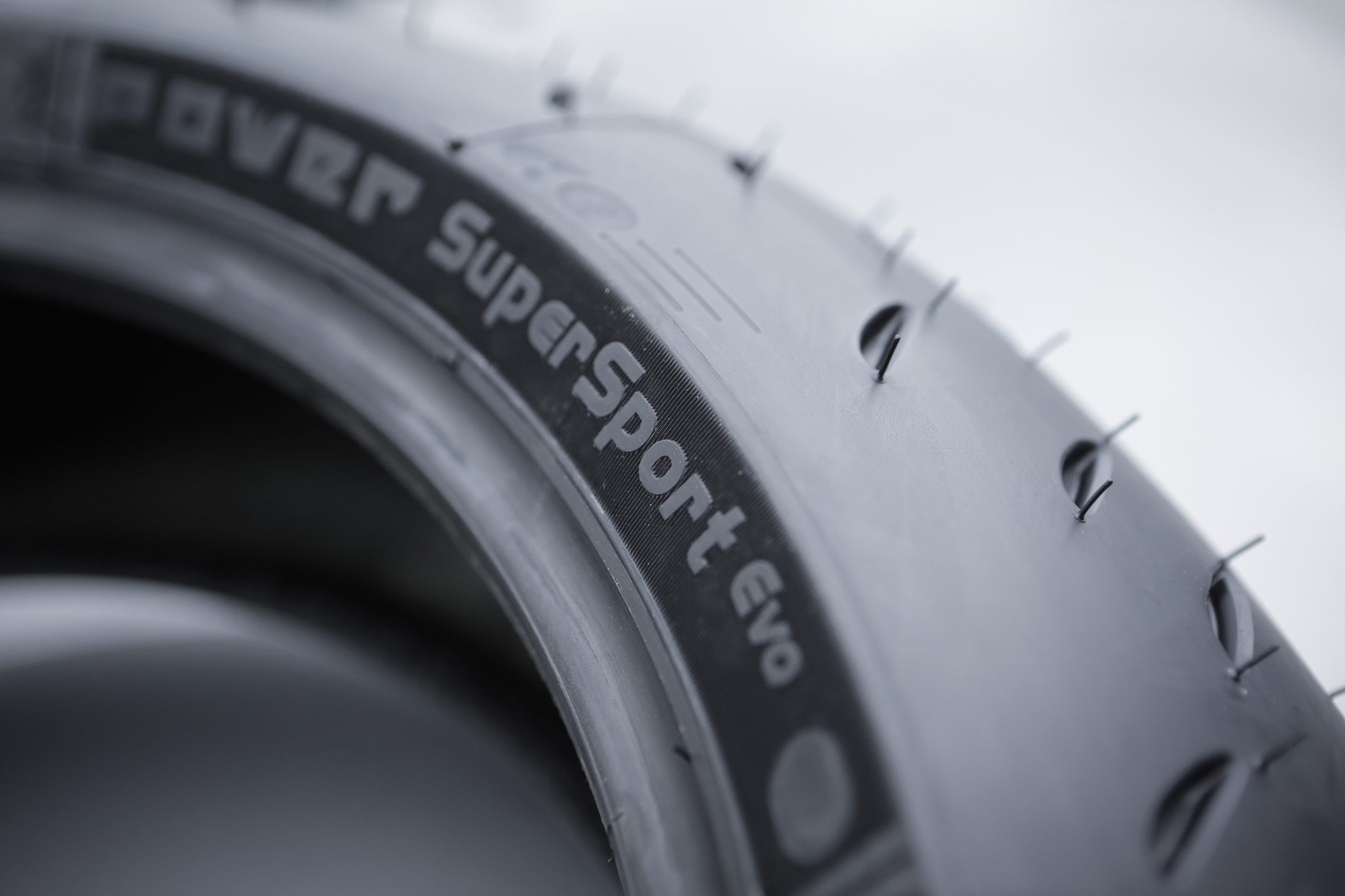 MICHELIN_Power_SuperSport_Evo_0004