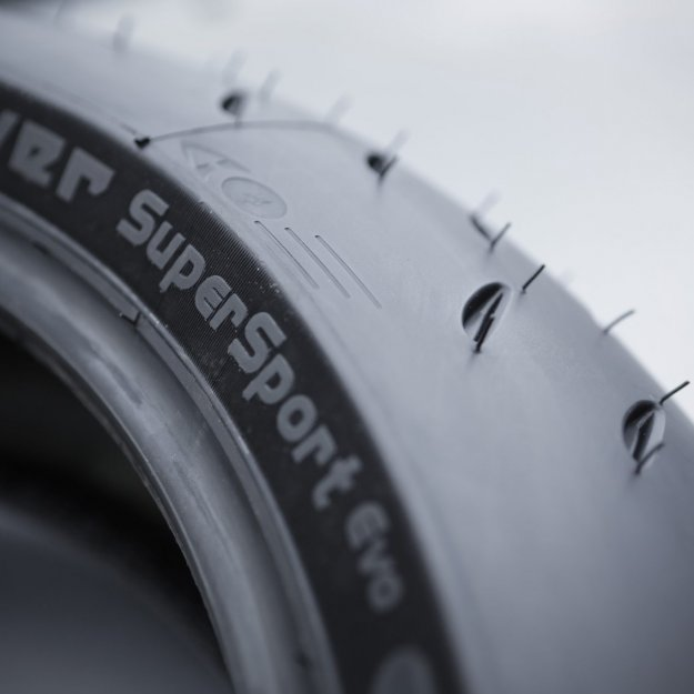 MICHELIN_Power_SuperSport_Evo_0005