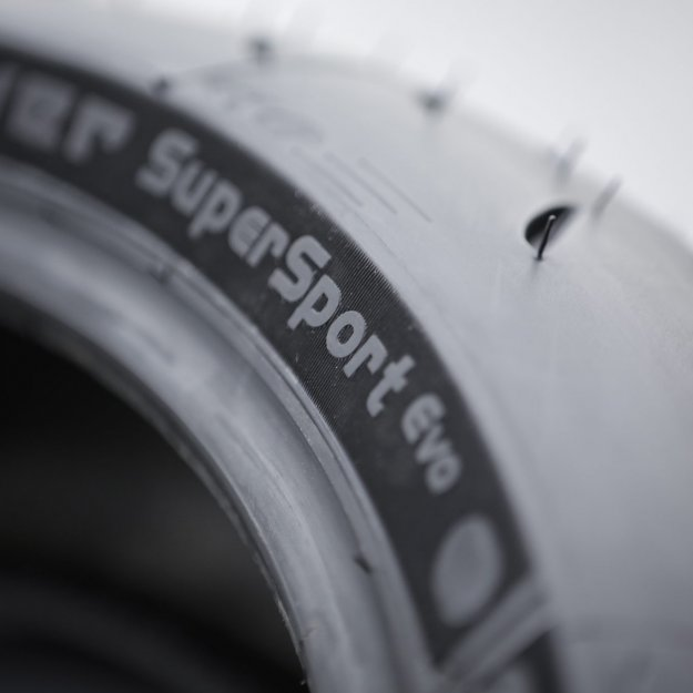 MICHELIN_Power_SuperSport_Evo_0003